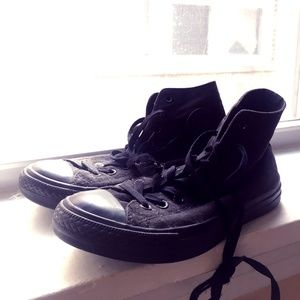 Classic all black chuck Taylor all star converse